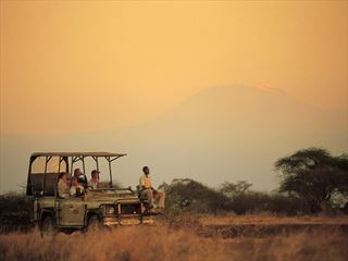 Game drive in Selenkay Conservancy - Kenya Holidays
