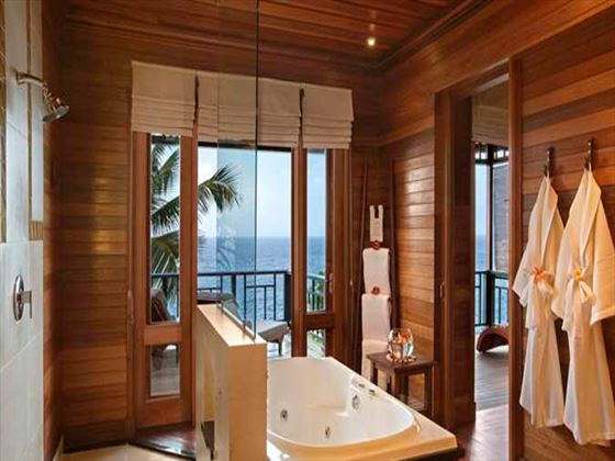 Hilton Seychelles Northolme Resort & Spa bathroom