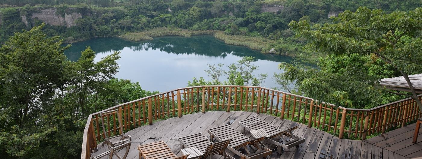 Kyaninga Lodge viewing deck