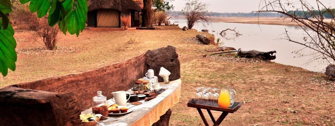 Breakfast in a canoe