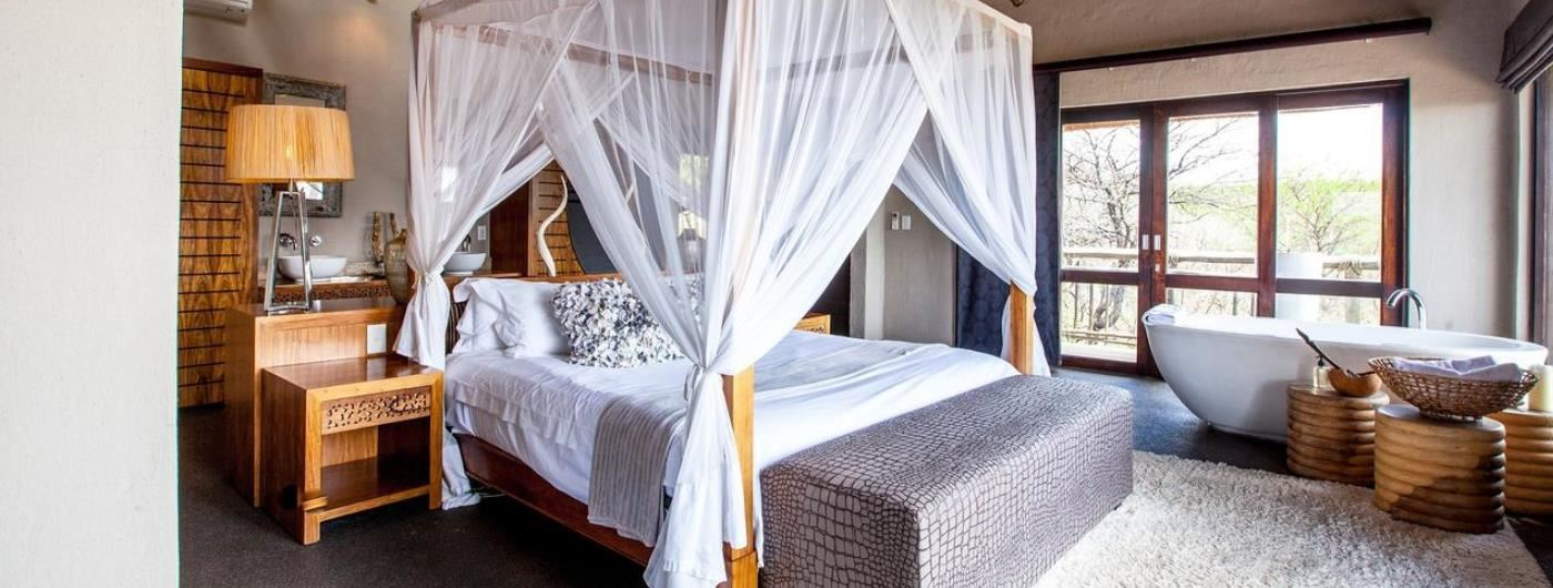 Nambiti Hills Game Lodge honeymoon suite