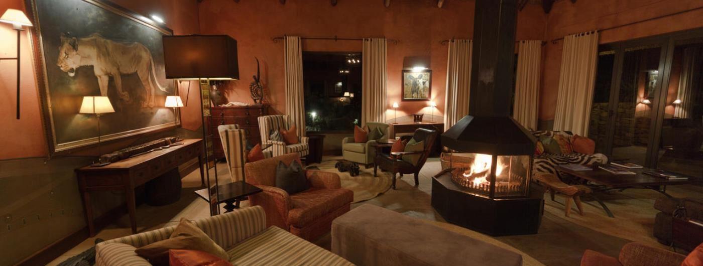 Pumba Water Lodge main lounge