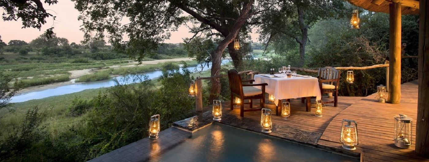 Royal Zambezi Lodge poolside dining