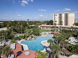Pool and hotel exterior - Orlando Holidays