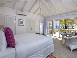 Superior Beachfront Room at Palm Island resort & spa