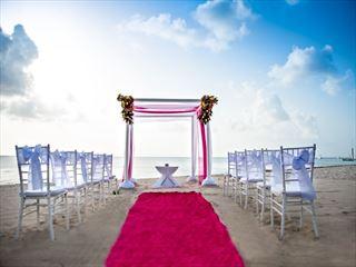Striking wedding setting at Allegro Cozumel