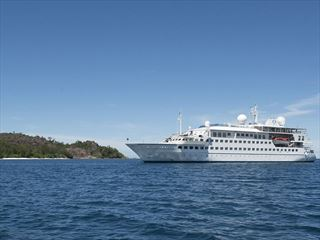 - Luxury Seychelles Yacht Cruise & Praslin Beach Stay