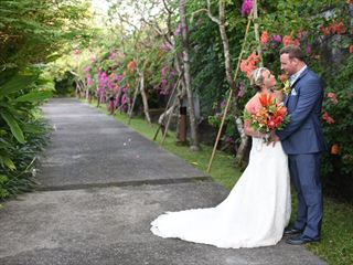 Bride & Groom at The Pavilions Bali