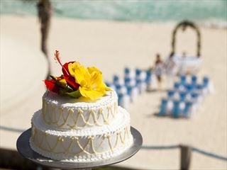 Beautiful wedding cake at Barcelo Tucancun Beach