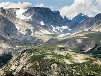 A beginner's guide to Mystic Lake in the Beartooth Mountains