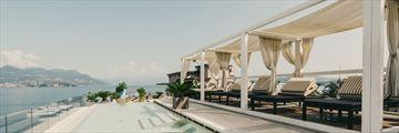 Infinity pool at Hotel La Palma