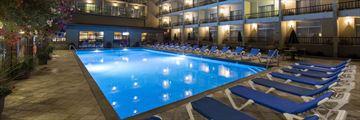 Coast Capri Hotel Kelowna, Pool