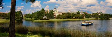 Disney's Saratoga Springs Resort & Spa, Exterior and Lake View