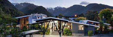 Hotel Scenic Franz Josef Glacier, Exterior