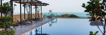 JA Ocean View Hotel, Infinity pool