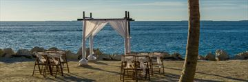 Intimate wedding settings in Key West