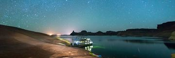 Lake Powell Resort, Houseboating on a Starry Night