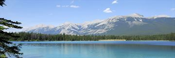 Canada's beautiful lake & mountain scenery