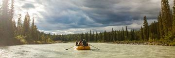 Rafting in Blaeberry River, Kootenay Rockies