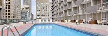 Ramada Plaza by Wyndham Calgary Downtown, Pool