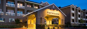River Terrace Inn, Exterior