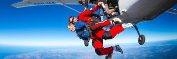 Sky diving in Byron Bay