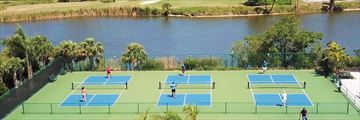 Sundial Beach Resort & Spa, Sport Courts and Lake View