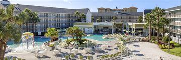 The Avanti Resort. Hotel Exterior and Pool