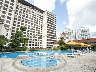 Main Swimming Pool Hotel Jen
