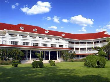 Centara Grand Beach Resort & Villas Hua Hin exterior