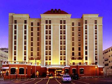 Hampton Inn & Suites Exterior, Albany