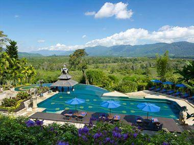 Infinity pool at Anantara Golden Triangle Resort & Spa