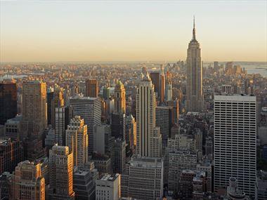 Scale the Rockefeller Center