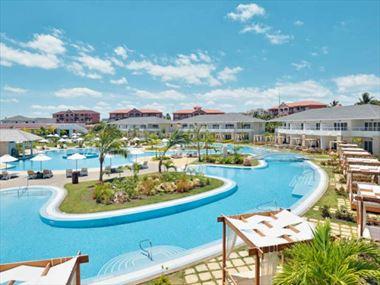Paradisus Princesa del Mar pool area
