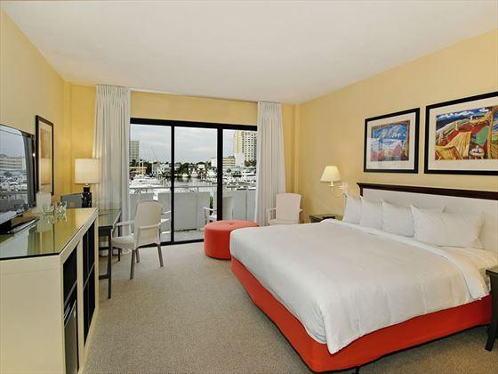 Bahia Mar Beach Resort, Cityview King guestroom