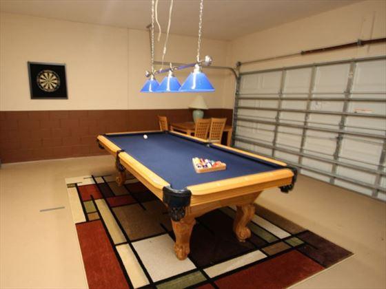 4 Calabay Parc games room