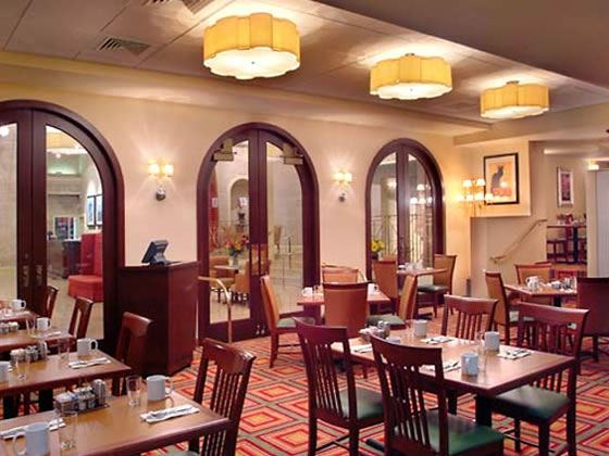 Courtyard by Marriott Tremont, Courtyard Cafe