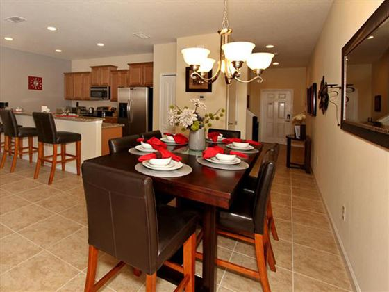Example of a Disney Area Platinum Townhome Dining Area
