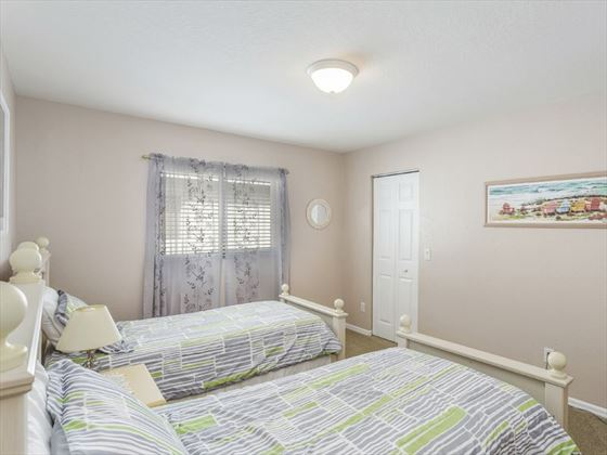 Example of a Fort Myers Area Home - Twin Bedroom