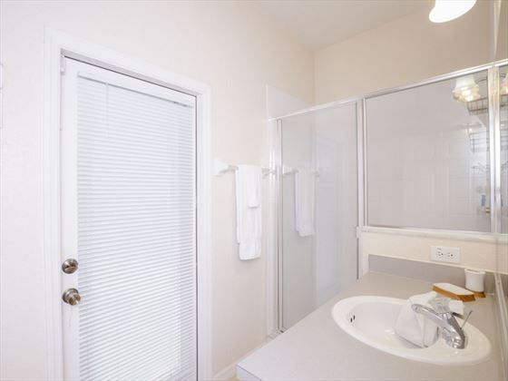Example of High Grove Homes  - Bathroom