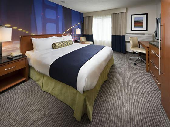 Hotel Zephyr King Guest Room
