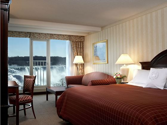 Guestroom with Fallsview