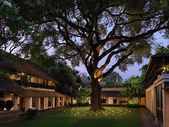 Tamarind Village - Courtyard