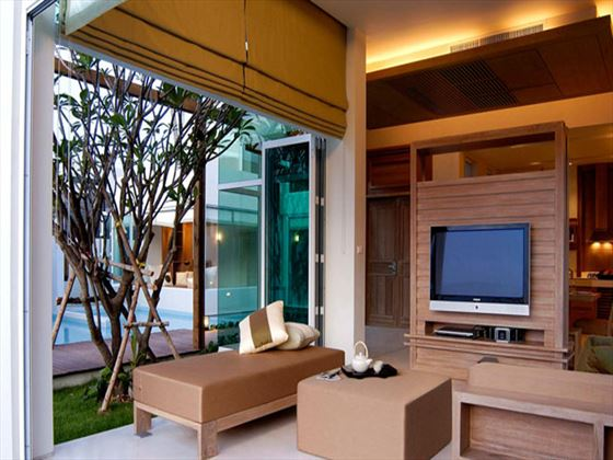 Aleenta Phuket - Phang Nga Resort and Spa Beachfront Villa living room