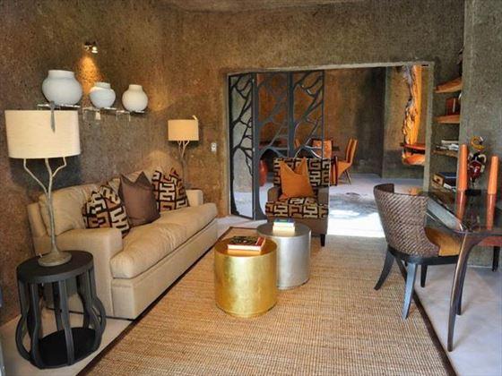 Amber Suite library at Sabi Sabi Private Game Reserve