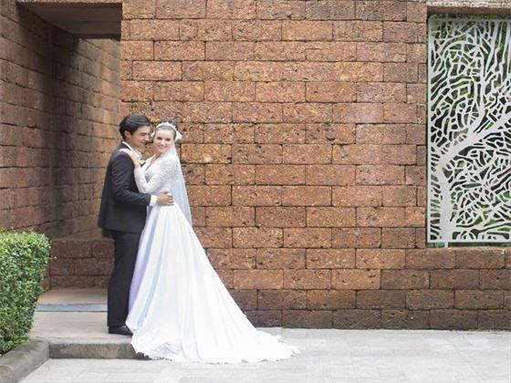 Bride & Groom at the Anantara Lawana Resort & Spa