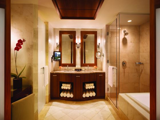 Atlantis The Reefs Deluxe Suite bathroom