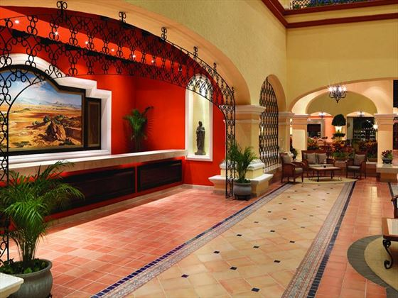 Aventura Spa Palace lobby area