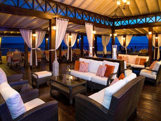 Azul restaurant at Sea Breeze Beach Hotel
