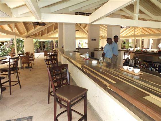 blu St Lucia bar